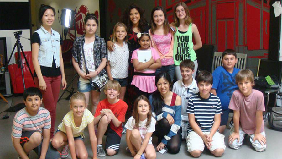 Group photo of children's acting course